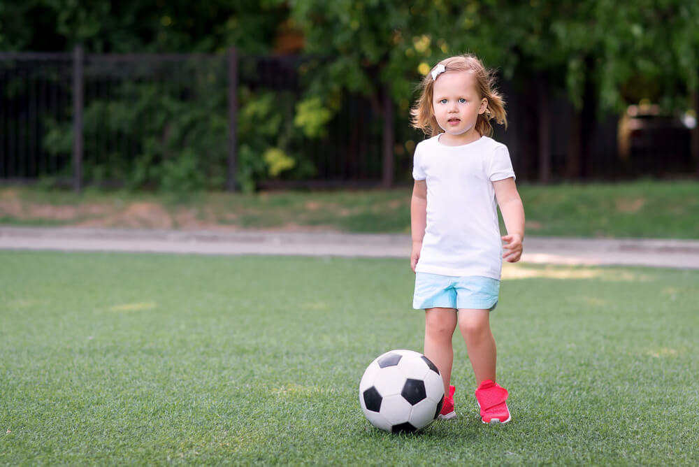 Mädchen Kinder Fußball